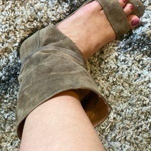 Fabulous Kelsi Dagger Sandal-boots in Suede